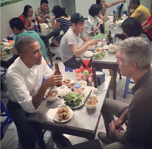 Ấn tượng về ngày đầu Tổng thống Obama thăm Việt Nam - Ảnh 2