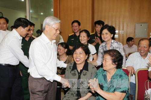 Tổng Bí thư Nguyễn Phú Trọng vận động bầu cử tại Hà Nội - Ảnh 2