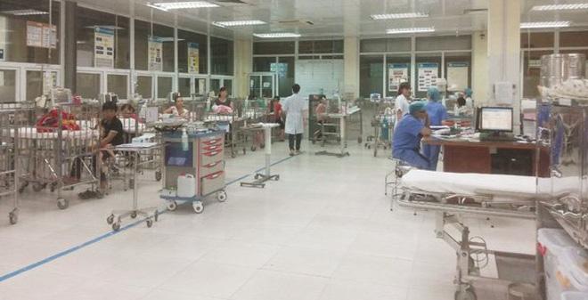 Tạm giữ đối tượng hành hung nhân viên bệnh viện Nhi Trung ương - Ảnh 1