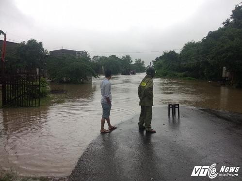 Hình ảnh nhiều xã bị chia cắt bởi mưa lớn tại Đắk Lắk - Ảnh 2