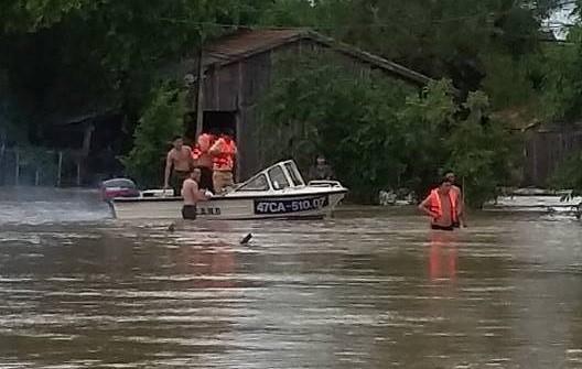 Hình ảnh nhiều xã bị chia cắt bởi mưa lớn tại Đắk Lắk - Ảnh 5