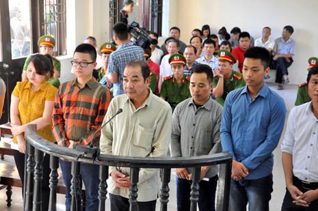 """Nhiều bất ngờ tại phiên tòa xử trùm giang hồ Minh """"Sâm"""" - Ảnh 1"""