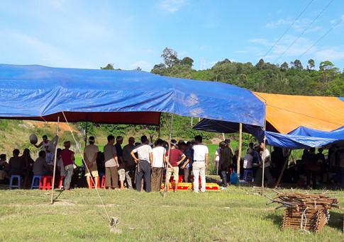 Tìm thấy 5 thi thể trong vụ sập hầm khai thác vàng ở Lào Cai - Ảnh 2