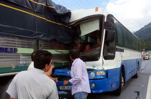 Trao cúp Vô lăng vàng cho tài xế cứu xe khách mất thắng trên đèo Bảo Lộc - Ảnh 2