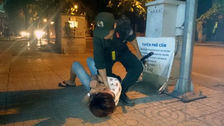 Theo chân cảnh sát 141 trấn áp tội phạm đường phố 4 năm qua - Ảnh 1