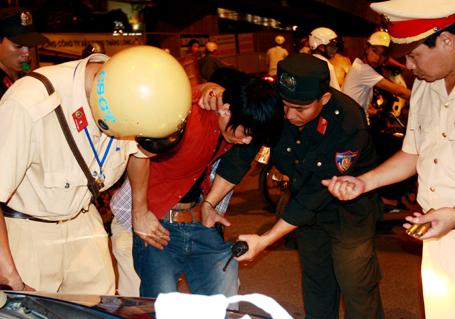Theo chân cảnh sát 141 trấn áp tội phạm đường phố 4 năm qua - Ảnh 2