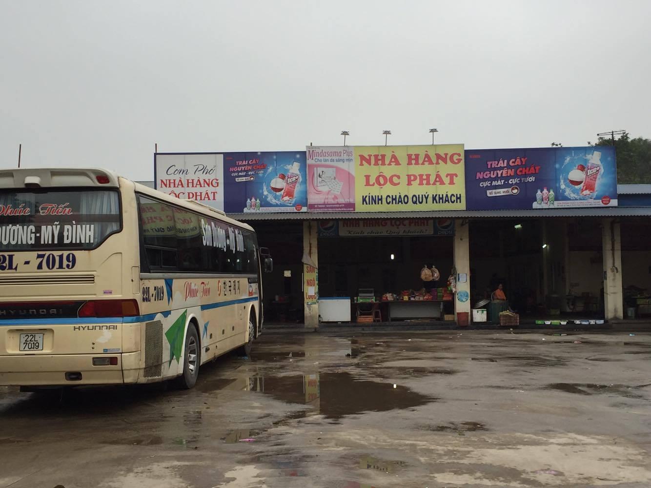 Thông tin nhà hàng Lộc Phát tổ chức ném đá xe khách là không có căn cứ - Ảnh 1