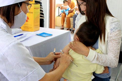 Triển khai tiêm vắc xin viêm não Nhật Bản cho trẻ 6-14 tuổi - Ảnh 1