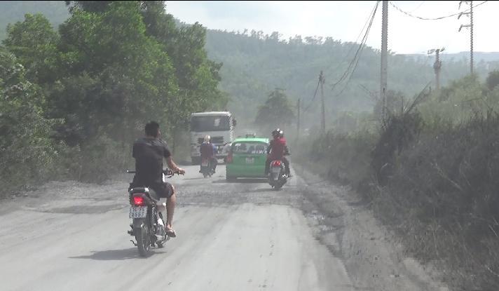 Xe quá tải chở than tuyến Vàng Danh – Uông Bí 'thách thức' Chủ tịch Quảng Ninh - Ảnh 2