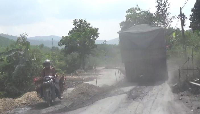 Xe quá tải chở than tuyến Vàng Danh – Uông Bí 'thách thức' Chủ tịch Quảng Ninh - Ảnh 3