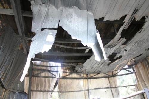 Cháy trường tiểu học, thư viện và nhiều phòng học bị thiêu rụi  - Ảnh 1