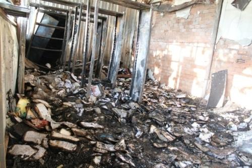 Cháy trường tiểu học, thư viện và nhiều phòng học bị thiêu rụi  - Ảnh 3