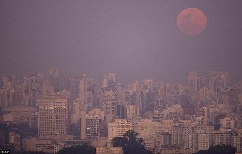 Những hình ảnh ấn tượng về siêu trăng đầu tiên của năm 2015 - Ảnh 2