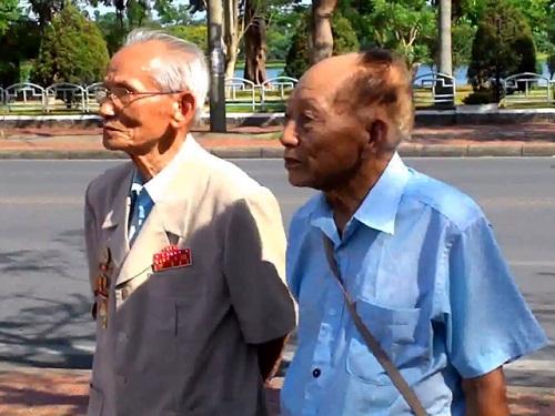 Ký ức hào hùng của người treo cờ đỏ sao vàng lên Kỳ Đài Huế - Ảnh 1
