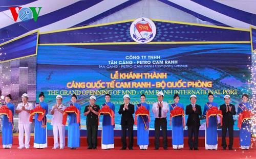 Chủ tịch nước dự lễ khai trương Cảng quốc tế Cam Ranh - Ảnh 1