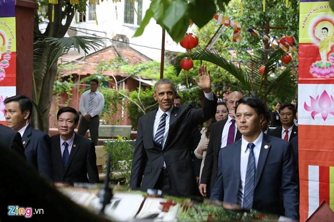 Tổng thống Obama đến thăm chùa Ngọc Hoàng - Ảnh 3