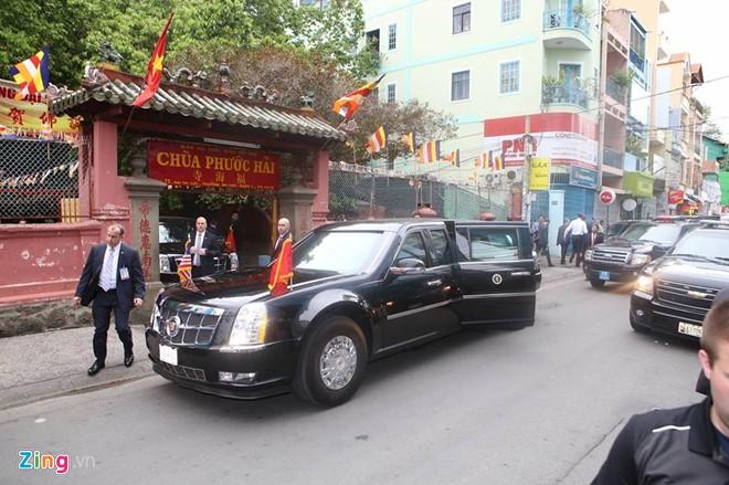 Tổng thống Obama đến thăm chùa Ngọc Hoàng - Ảnh 1