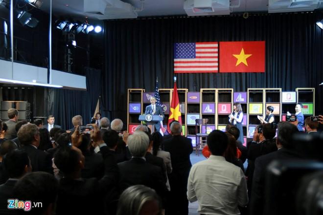 Tổng thống Obama đối thoại với hơn 100 doanh nghiệp Việt tại TP.HCM - Ảnh 8