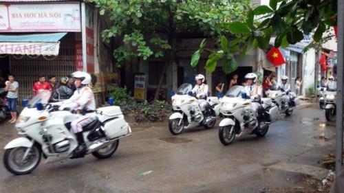 Tổng thống Obama rời Hà Nội vào TP HCM - Ảnh 1