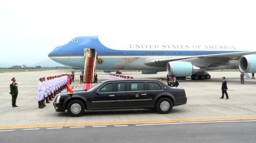 """Tiết lộ về 10 phút """"đóng cửa sân bay"""" ưu tiên chuyên cơ chở Tổng thống Obama - Ảnh 1"""