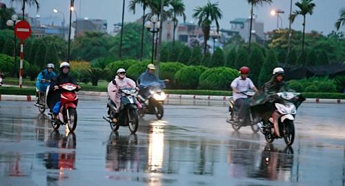 Dự báo thời tiết ngày mai 11/6: Bắc Bộ tiếp tục mưa dông - Ảnh 1