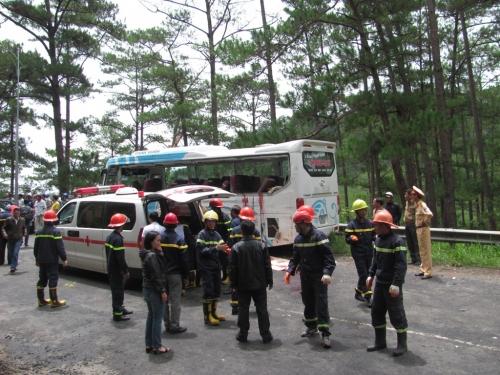 Lâm Đồng:Xe khách gây tai nạn thảm khốc không có giấy phép hoạt động - Ảnh 2
