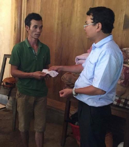 Chủ tịch Lào Cai vào hiện trường vụ sập hầm vàng, hỗ trợ gia đình thiệt hại - Ảnh 5