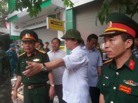 Sập nhà 4 người mắc kẹt tại Hà Nội, 2 nạn nhân tử vong - Ảnh 5