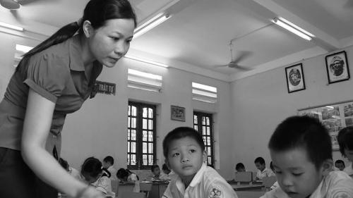 Số phận khổ đau của cô giáo nhặt đồng nát chữa bệnh cho chồng - Ảnh 1