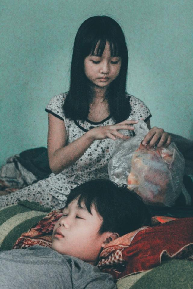 Bộ ảnh khiến những người con cay mắt vì sự vô tâm đối với mẹ - Ảnh 4