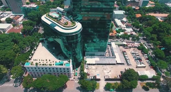 Clip: Cảm giác rất tuyệt khi ngắm một Sài Gòn tươi trẻ, sống động từ trên cao - Ảnh 12