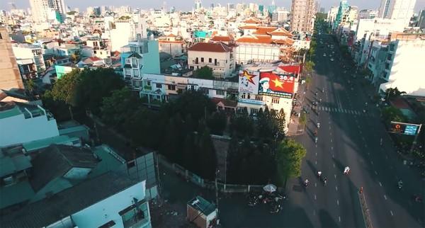 Clip: Cảm giác rất tuyệt khi ngắm một Sài Gòn tươi trẻ, sống động từ trên cao - Ảnh 5