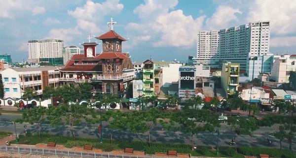 Clip: Cảm giác rất tuyệt khi ngắm một Sài Gòn tươi trẻ, sống động từ trên cao - Ảnh 8