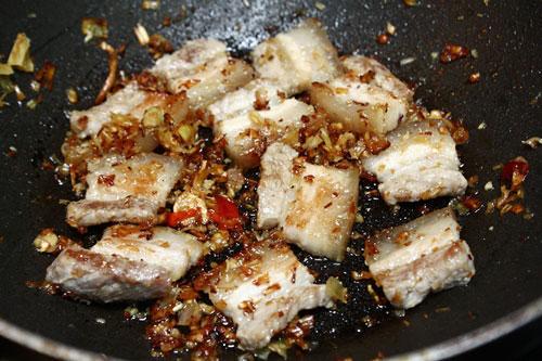 Đầu tuần vào bếp với hai món ăn chiên sả thơm cay - Ảnh 3