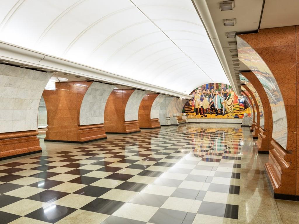 Những ga tàu điện ngầm đẹp như xứ sở thần tiên - Ảnh 12
