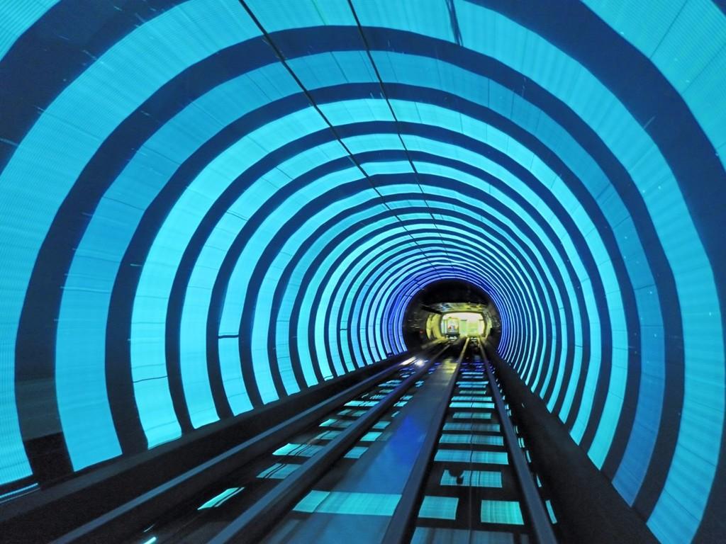 Những ga tàu điện ngầm đẹp như xứ sở thần tiên - Ảnh 14