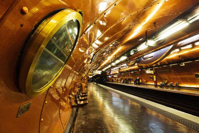 Những ga tàu điện ngầm đẹp như xứ sở thần tiên - Ảnh 21