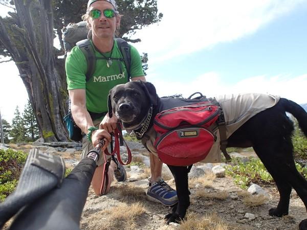 Chú chó dẫn chủ nhân bị mù đi phượt khắp thế giới - Ảnh 3