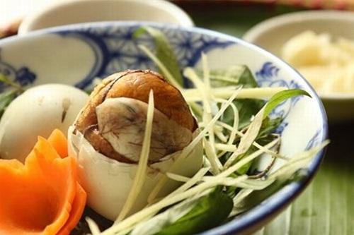 """Những món ăn chỉ có ở Việt Nam nhìn thì 'ghê"""" nhưng ăn là """"mê"""" - Ảnh 4"""