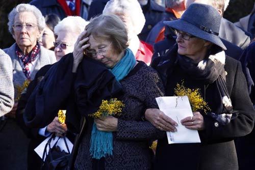 Chùm ảnh thế giới tưởng niệm 1 năm vụ MH17 bị bắn rơi - Ảnh 3