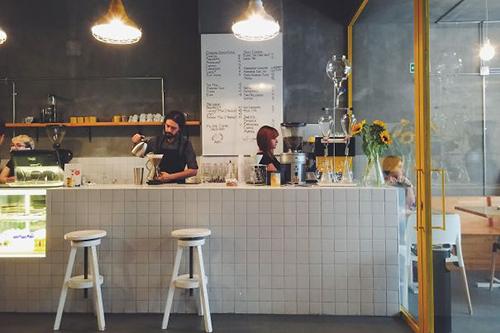 Những quán cafe độc đáo nhất thế giới hút hồn khách du lịch - Ảnh 1
