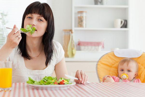Những thực phẩm tốt cho sức khỏe bà bầu sau khi sinh - Ảnh 1
