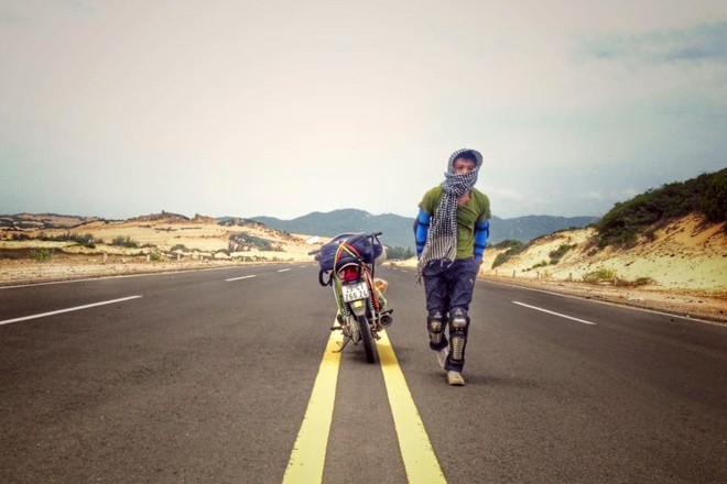 Nam sinh 19 tuổi một mình lái xe phượt xuyên Việt - Ảnh 2