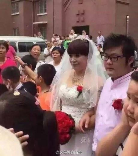 Những đám cưới chênh lệch tuổi tác khiến dân mạng xôn xao - Ảnh 3