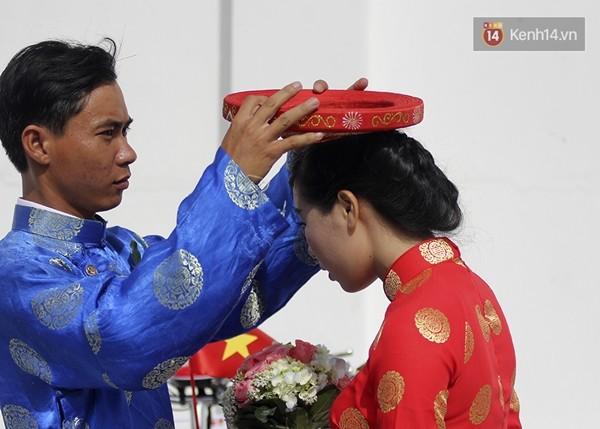 100 cặp uyên ương tham gia đám cưới tập thể trên đường phố Sài Gòn - Ảnh 3