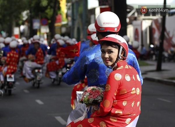 100 cặp uyên ương tham gia đám cưới tập thể trên đường phố Sài Gòn - Ảnh 7