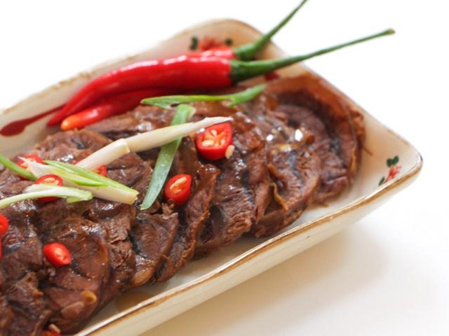 Thịt bò om hoa hồi, canh riêu cá chép hấp dẫn bữa cơm thứ 7 - Ảnh 1