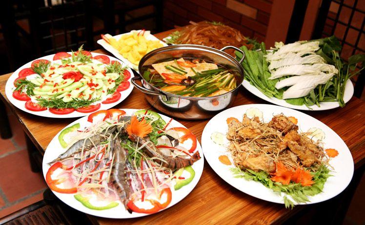 Vào bếp với món lẩu hải sản trong ngày 8/3 - Ảnh 3
