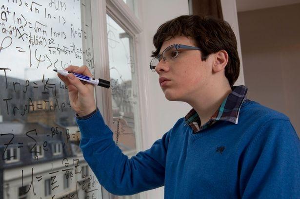 Trẻ bị tự kỷ: Biểu hiện và cách điều trị bệnh - Ảnh 2