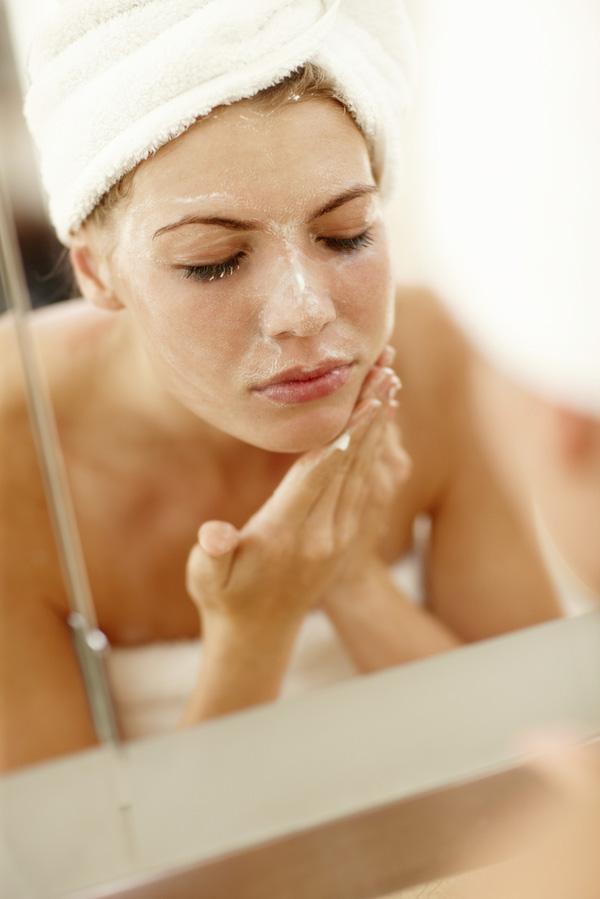 Nếu rửa mặt kiểu này bạn sẽ càng hủy hoại làn da của mình - Ảnh 3
